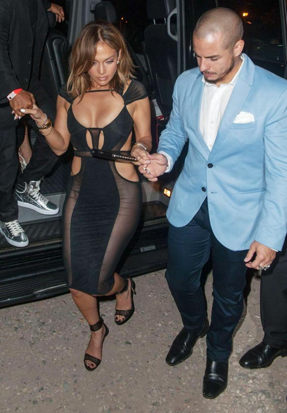 jennifer-lopez-46th-birthday-casper-2015-02