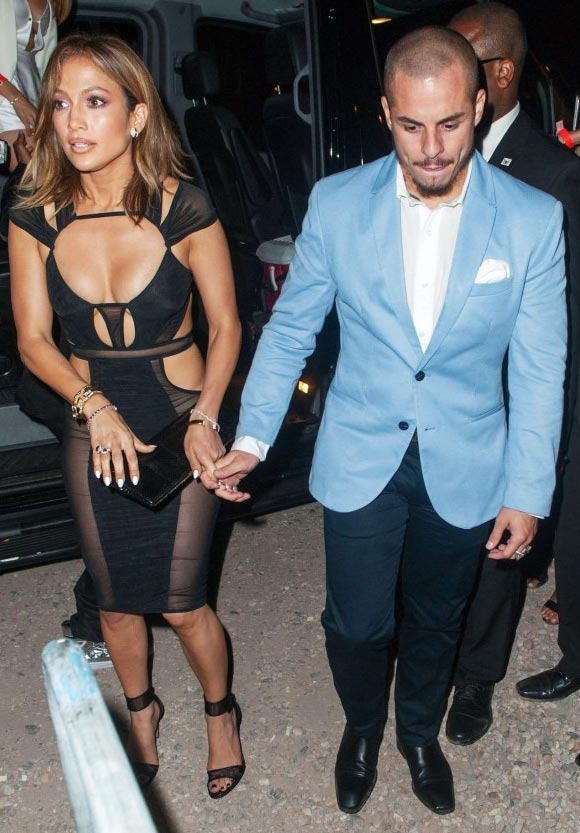jennifer-lopez-46th-birthday-casper-2015-03