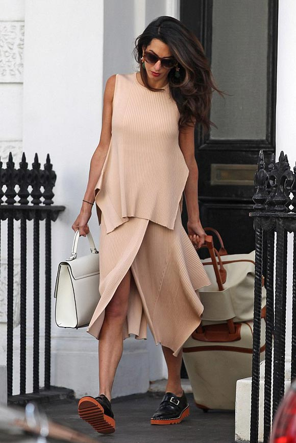 Amal-Clooney-fashion-august-2015-01