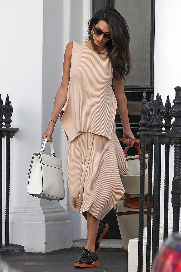 Amal-Clooney-fashion-august-2015-02