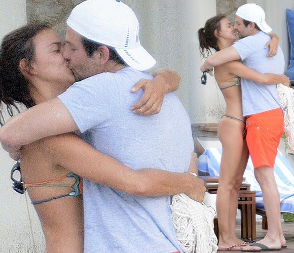 Bradley-Cooper-bikini-Irina-Shayk-kiss-aug-2015