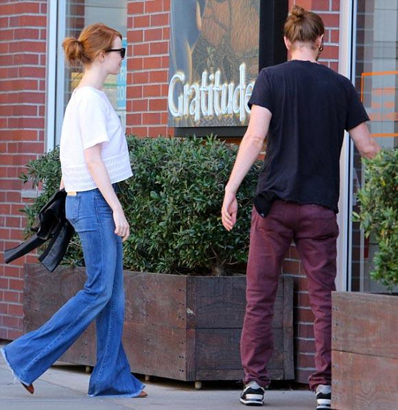 Emma-Stone-Andrew-Garfield-gossip-august-2015-02