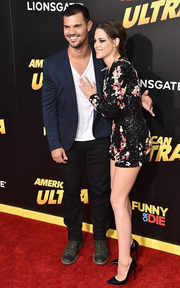 Kristen-Stewart-Taylor-Lautner-Premiere-American-Ultra-2015-02