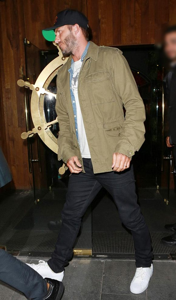 david-beckham-fashion-outfit-aug-2015-03