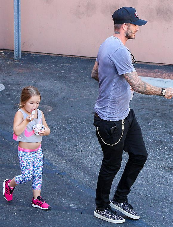 david-beckham-harper-aug-19-2015-02