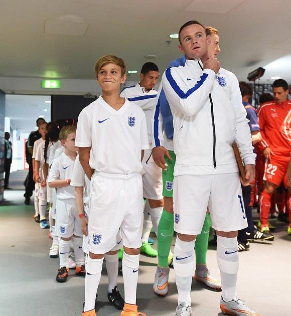 Romeo-Beckham-Rooney-euro-2016-01