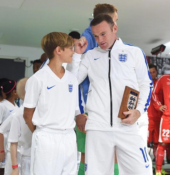 Romeo-Beckham-Rooney-euro-2016-03