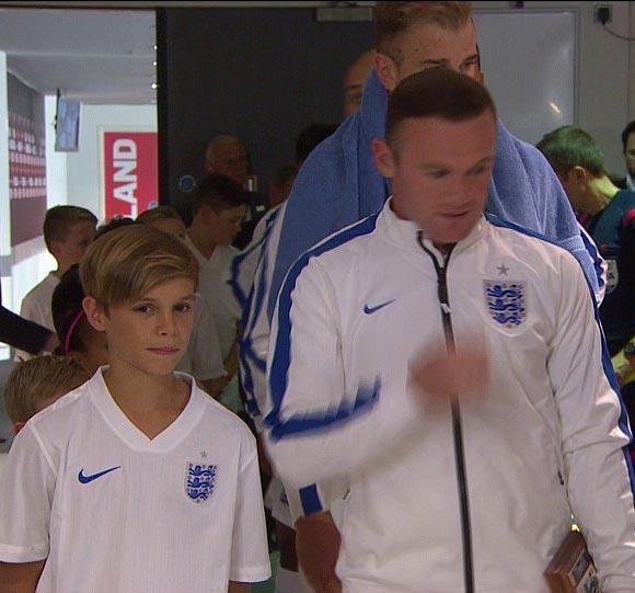 Romeo-Beckham-Rooney-euro-2016-04