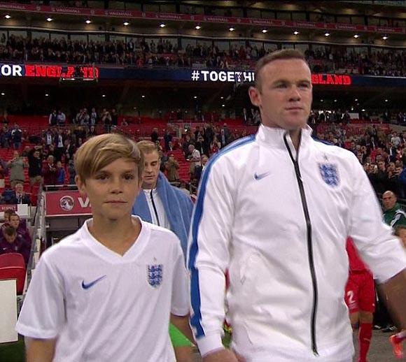 Romeo-Beckham-Rooney-euro-2016-05
