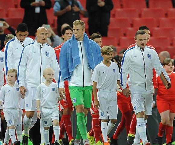 Romeo-Beckham-Rooney-euro-2016-06