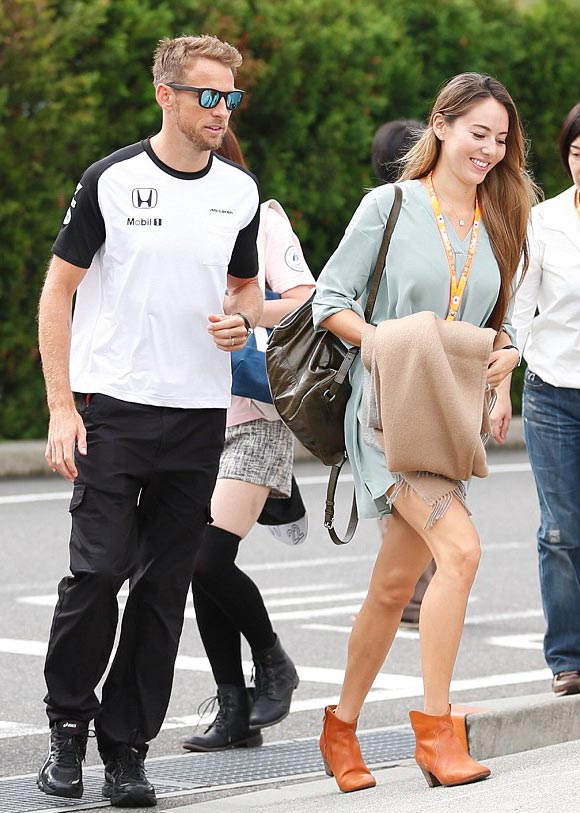 michibata-jessica-Jessica-Button-f1-japan-GP-sep-2015-04