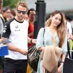 道端ジェシカ、夫のジェンソン・バトンとのツーショットで登場 #F1日本GP