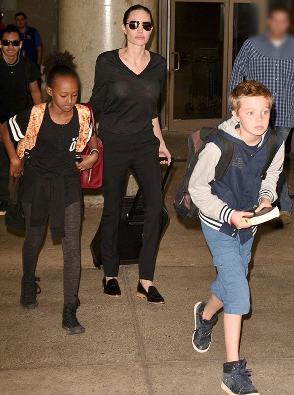 Angelina-Jolie-children-oct-2015-03