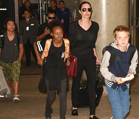Angelina-Jolie-children-oct-2015
