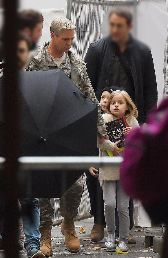 Brad-Pitt-twins-Knox-Vivienne-oct-2015-01