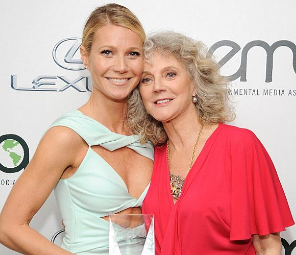 Gwyneth-Paltrow-mother-Blythe Danner-oct-2015