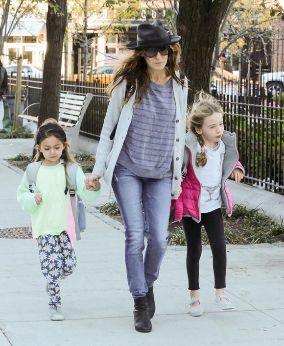 Sarah-Jessica-Parker-daughters-23-oct-2015-01