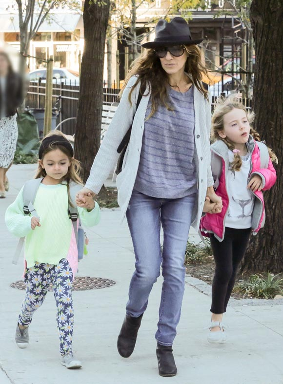 Sarah-Jessica-Parker-daughters-23-oct-2015-02