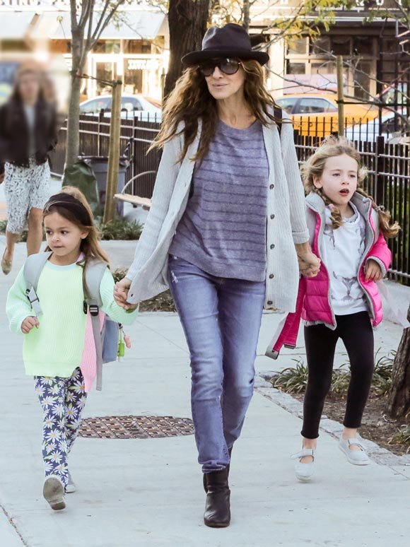 Sarah-Jessica-Parker-daughters-23-oct-2015-03
