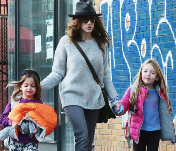 Sarah-Jessica-Parker-daughters-26-oct-2015