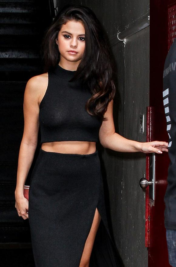 Selena-Gomez-outfit-oct-2015-04