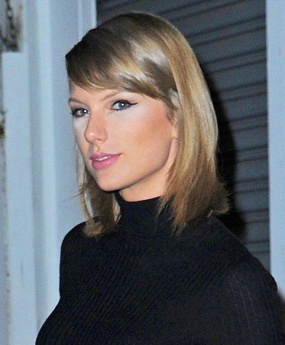 Taylor-Swift-makeup-oct-2015-03