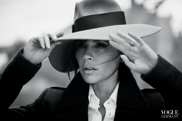 victoria-beckham-vogue-nov-2015-02