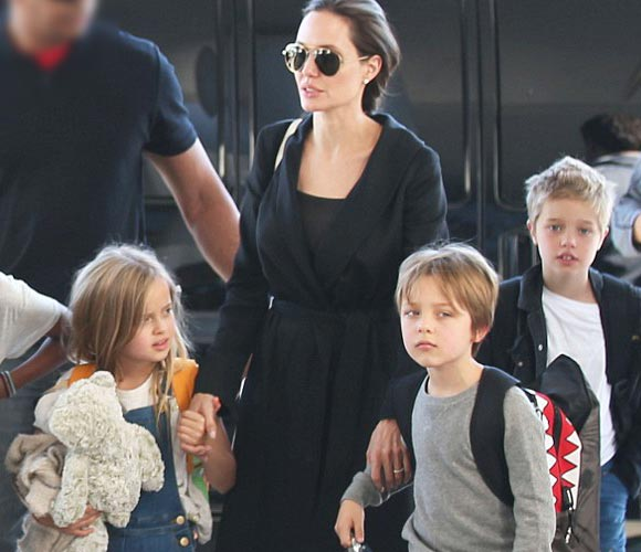 Angelina-Jolie-Shiloh-children-nov-2015
