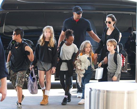 Angelina-Jolie-children-nov-2015-01