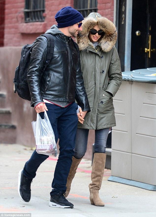 Bradley-Cooper-Irina-Shayk-gossip-nov-2015-02