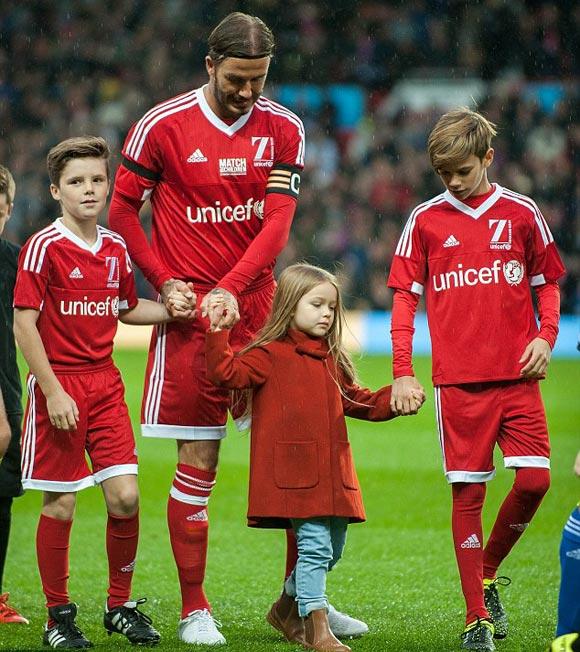 David-Beckham-Romeo-Cruz-Harper-UNICEF-charity-match-2015-01