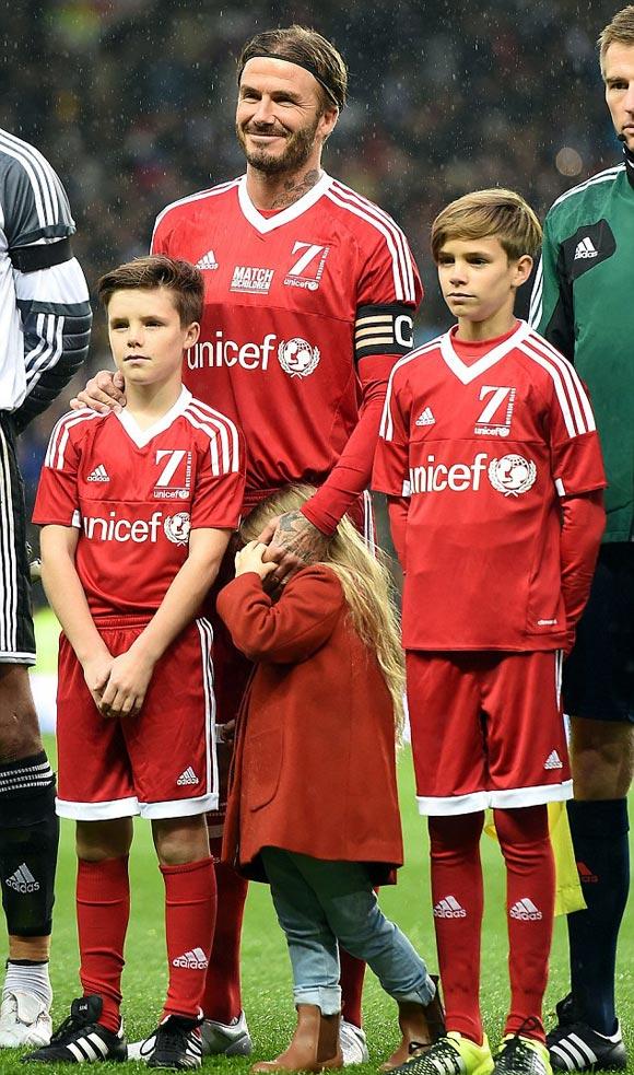 David-Beckham-Romeo-Cruz-Harper-UNICEF-charity-match-2015-05