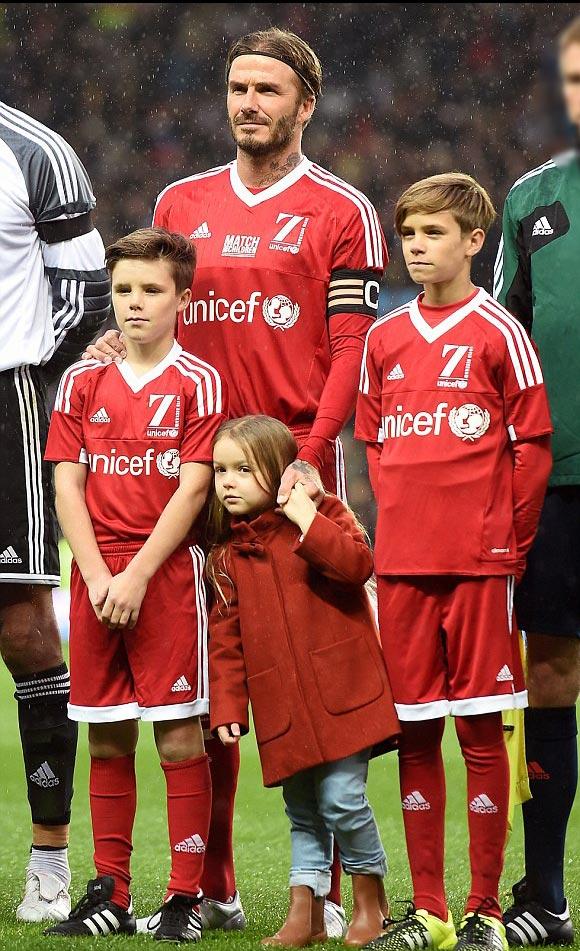 David-Beckham-Romeo-Cruz-Harper-UNICEF-charity-match-2015-06