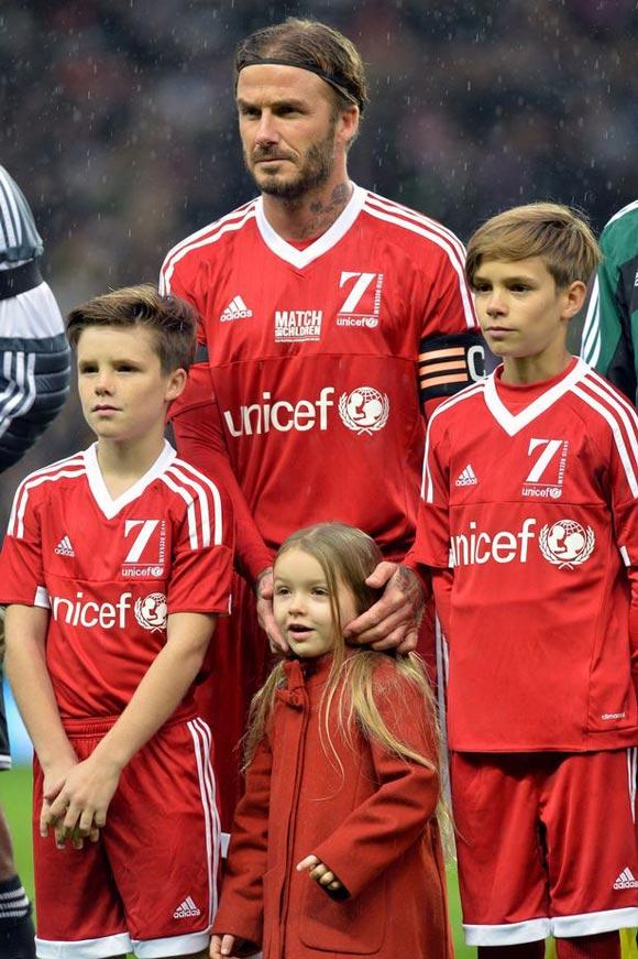 David-Beckham-Romeo-Cruz-Harper-UNICEF-charity-match-2015-08
