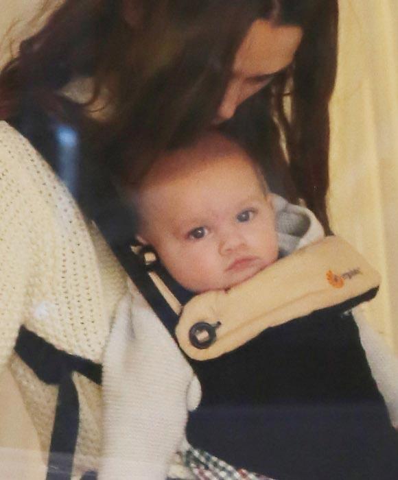 Keira-Knightley-daughter-Edie-oct-2015-03