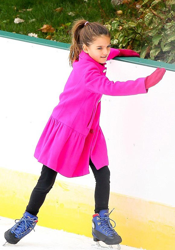 Suri-Cruise-fashion-oct-2015-02