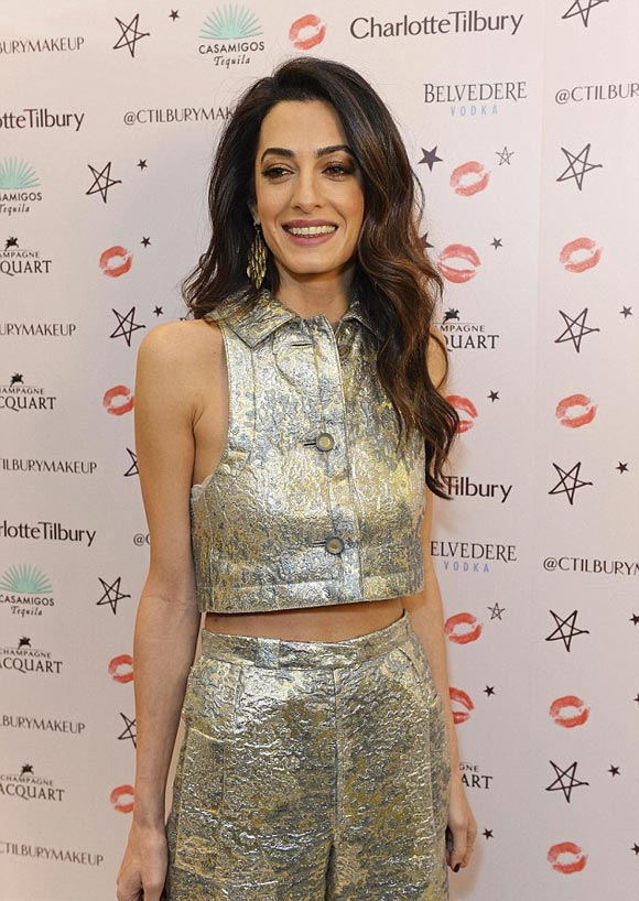 Amal-Clooney-fashion-dec-2015-02