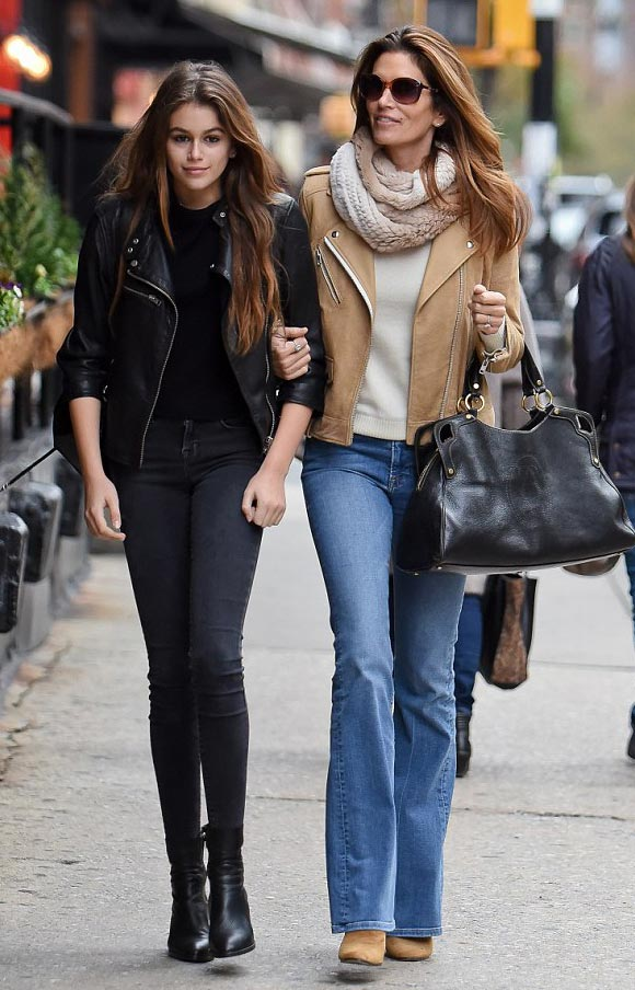 Cindy-Crawford-Kaia-Presley-nov-2015-01