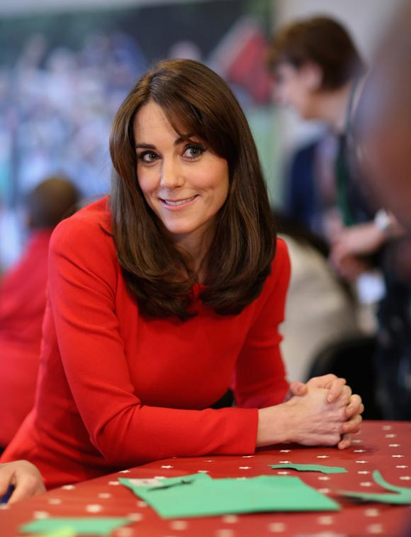Duchess-Kate-fashion-dec-2015-04