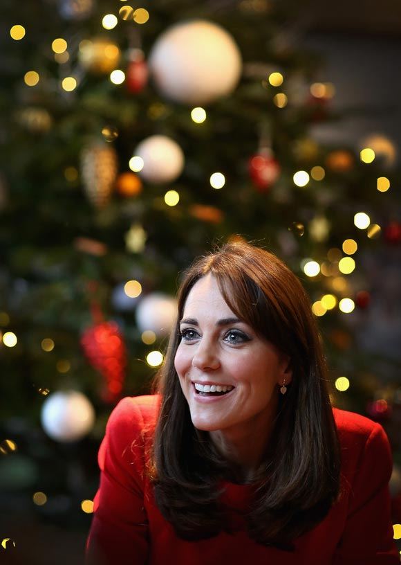 Duchess-Kate-fashion-dec-2015-05