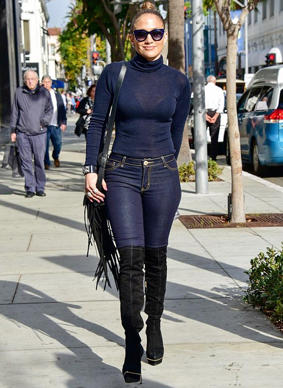 Jennifer-Lopez-outfit-dec-2015-01