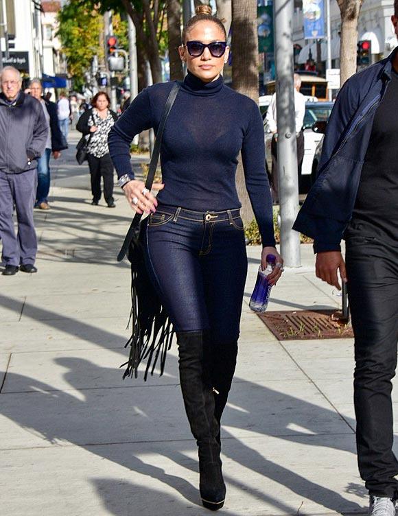 Jennifer-Lopez-outfit-dec-2015-02