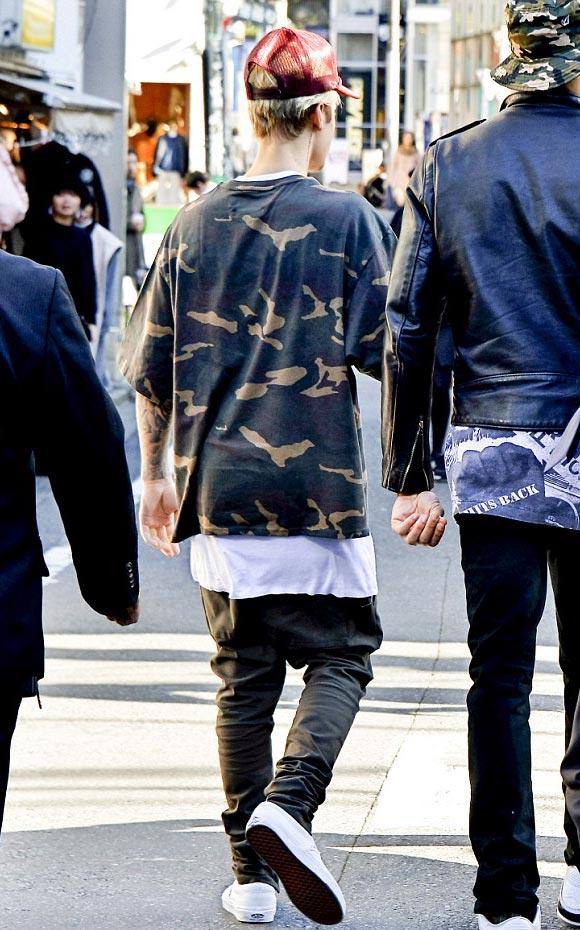 Justin-Bieber-harajuku-japan-2015-04