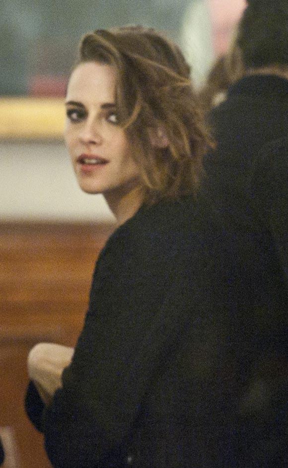 Kristen-Stewart-channel-show-Rome-2015-04