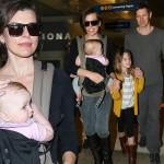 ミラ・ジョヴォヴィッチ、家族揃って仲良くLAX空港に登場!