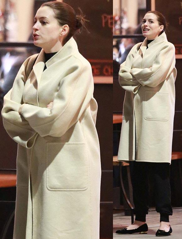 Pregnant-Anne-Hathaway-fashion-2015-07