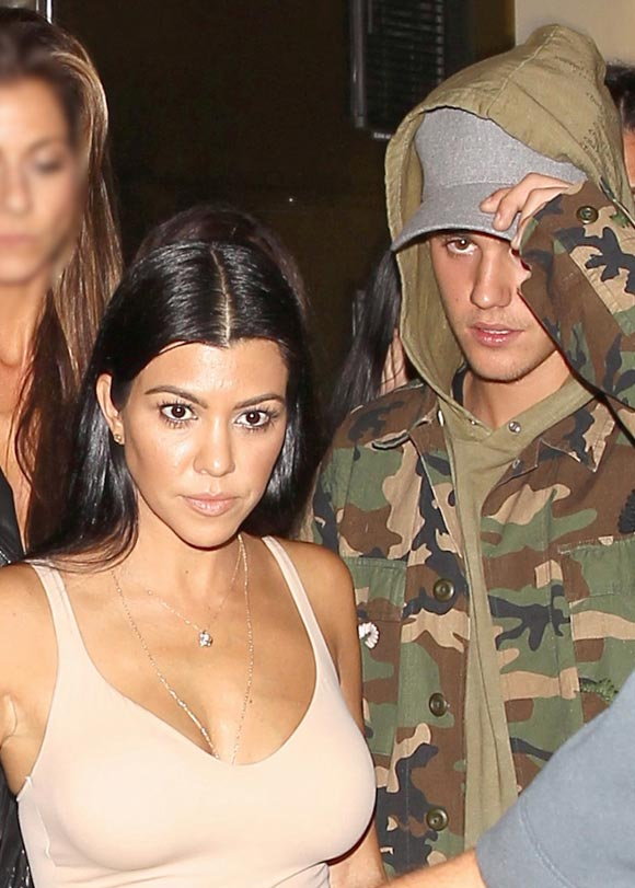 justin-bieber-kourtney-kardashian-romance-dec-2015-03