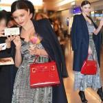 ミランダ・カー来日、羽田空港に笑顔で登場!#私服