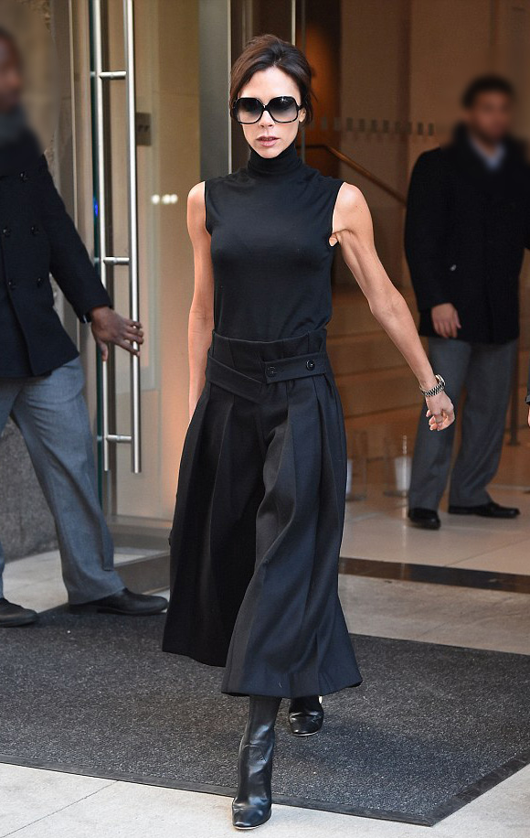 victoria-beckham-fashion-8-dec-2015-02