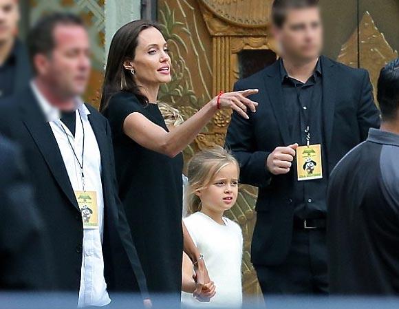 Angelina-Jolie-children-Premiere-Kung-Fu Panda3-2016-01